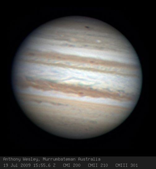 Impacto asteroide en Júpiter. Mancha central ecuatorial del tamaño de la tierra.